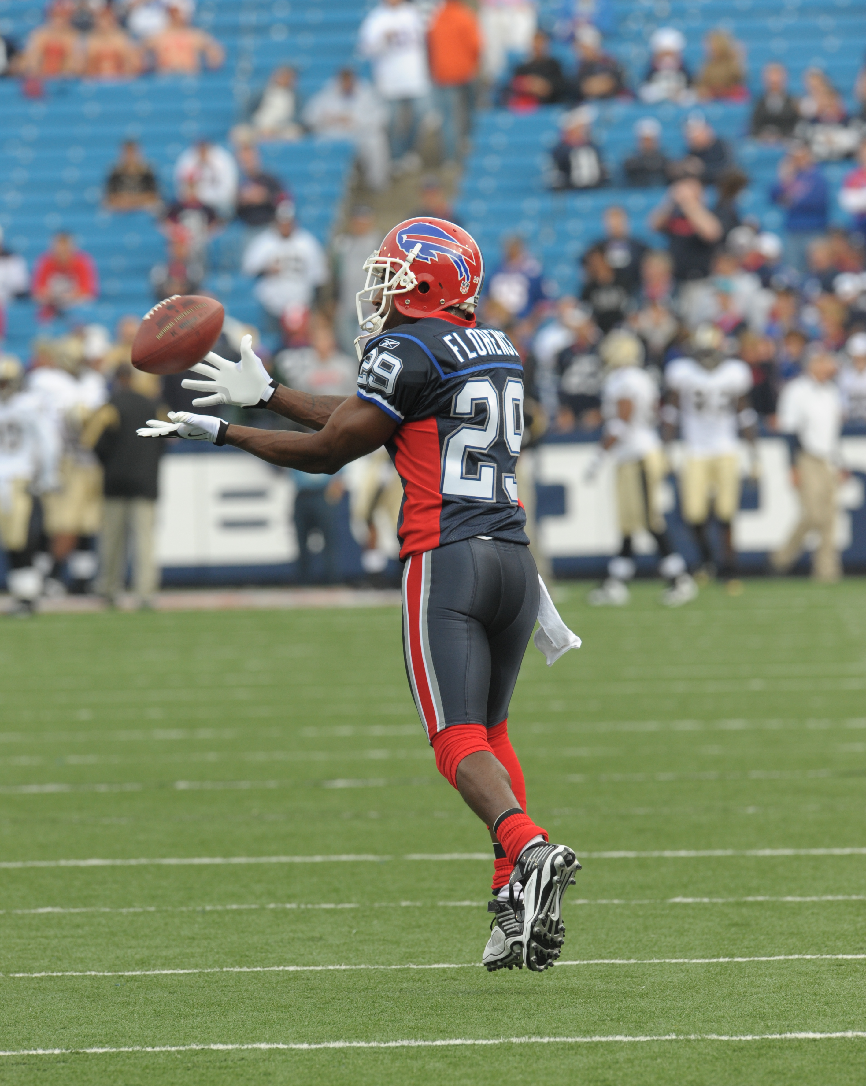 Drayton Florence Retires From Nfl Graduates From Unf